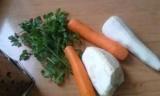 Салат з моркви, петрушки і селери