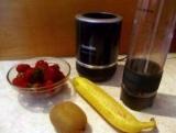 Коктейль з полуниці, банана і ківі